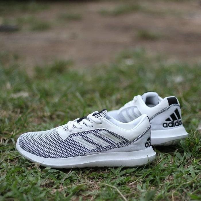 Sepatu Keren  ORIGINAL Adidas Element 3M White