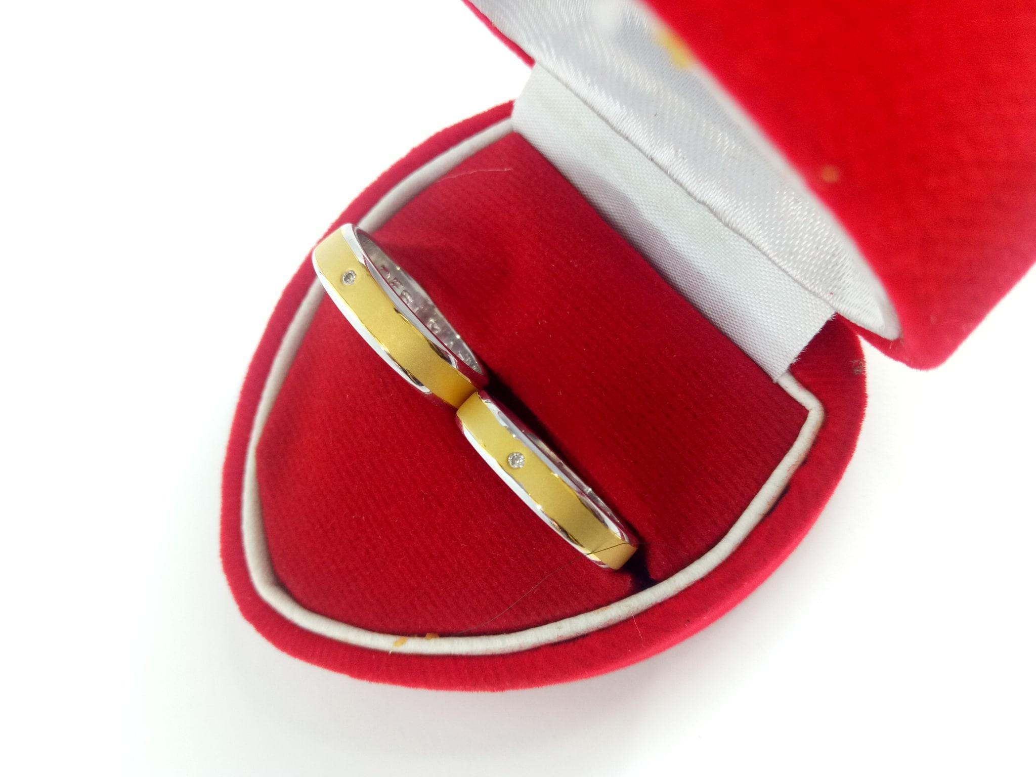 Fitur Cincin Kawin Tunangan Sepasang Couple Emas Putih Berlian Eropa Cr 2 Diamond