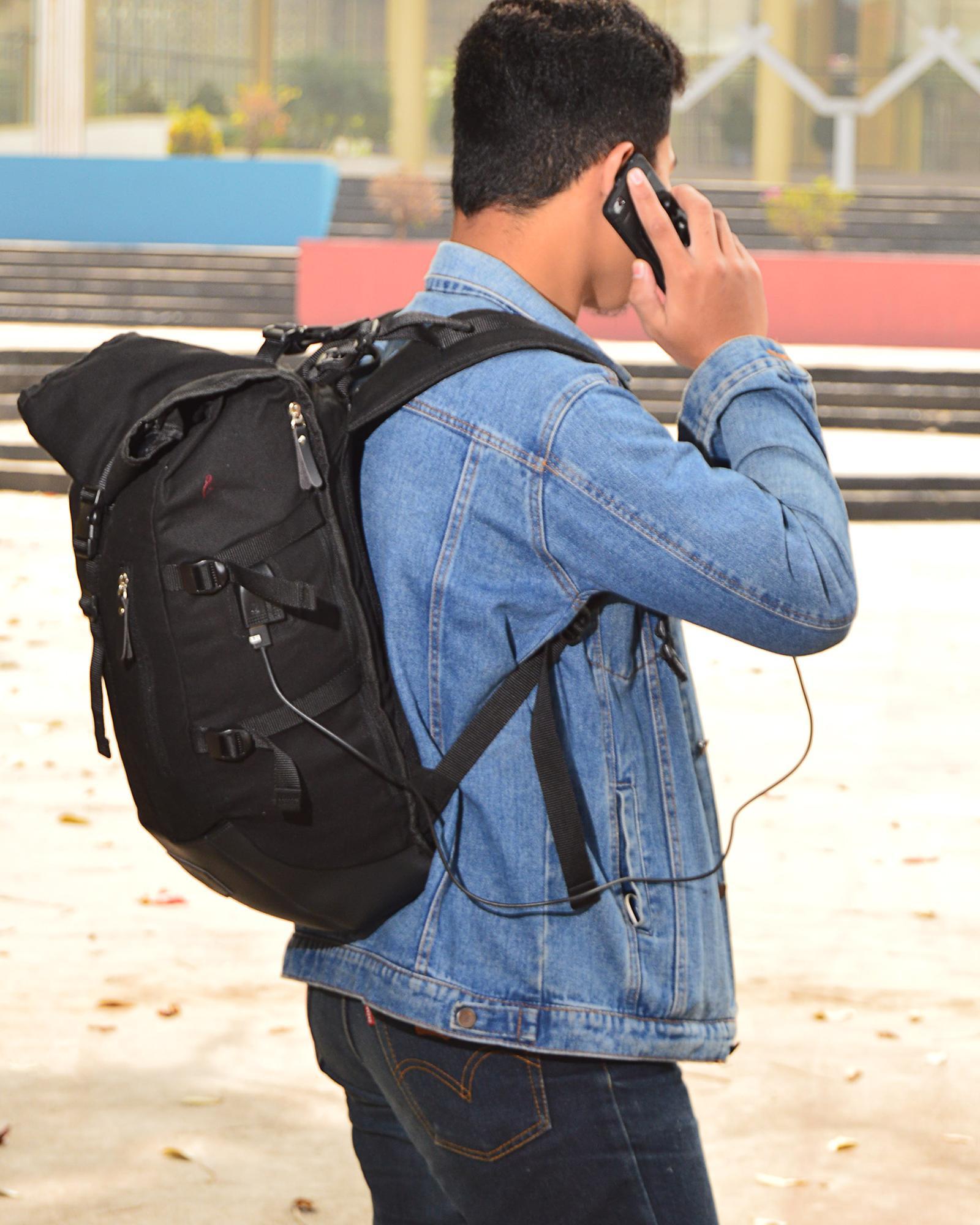 Smart Backpack Plus Tas Anti Maling Sling Bag Daftar Harga Uneed Capsule Ransel Ub104 Black Roll Top Usb Dan Earphone Port Korean Style