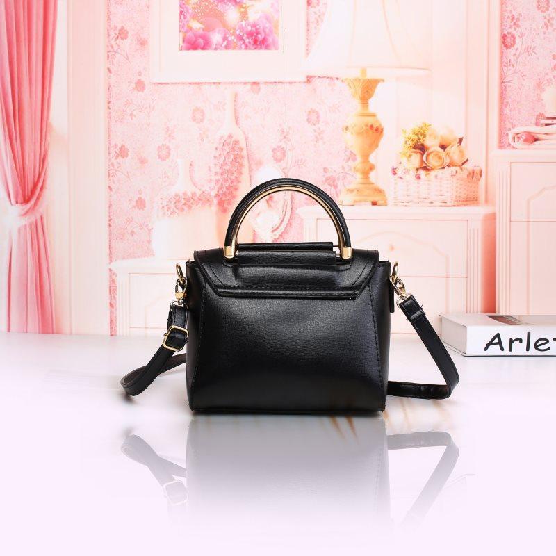 Detail Gambar Tas slingbag cantik murah selempang wanita elegan Terkini 6e417f8aec