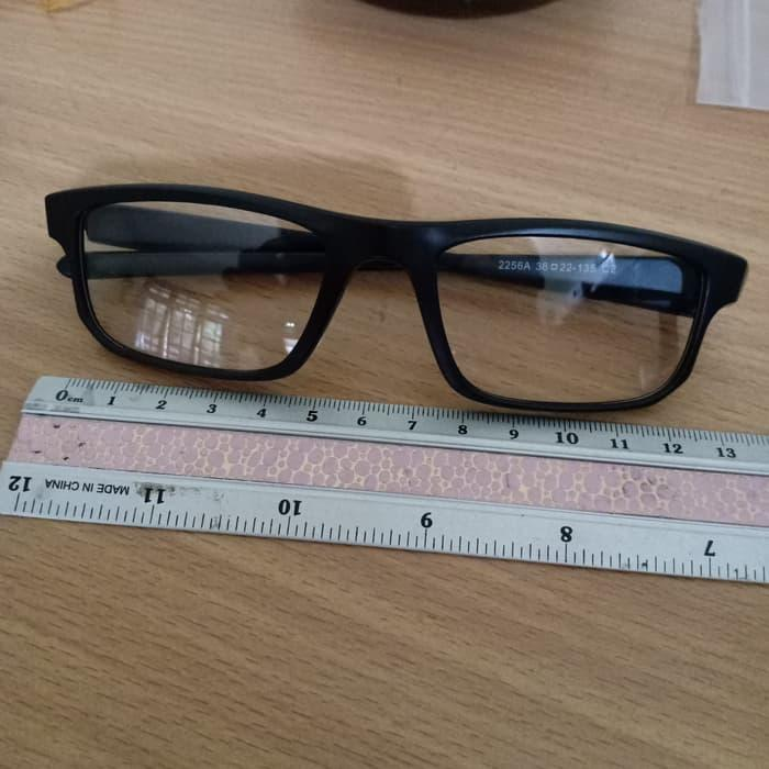 Diskon Kacamata 5 Lensa Kacamata Oakley Clip On 2256 Kacamata Oakley ... 49ccc2dd82