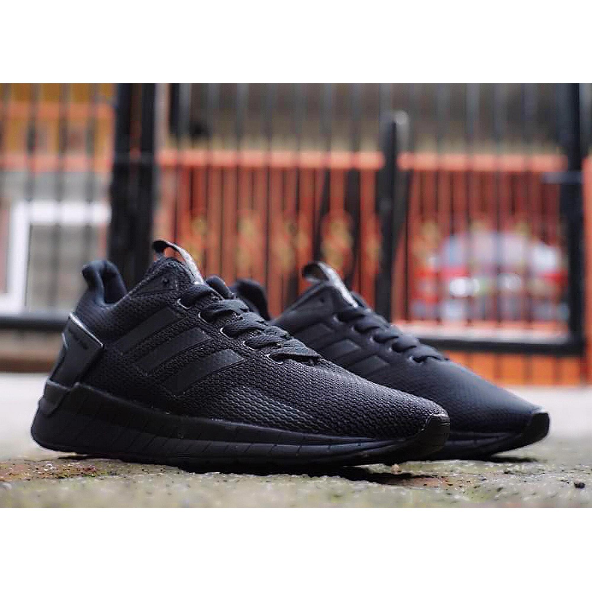 Fitur Sepatu Keren Original Adidas Questar Ride Black White Keren