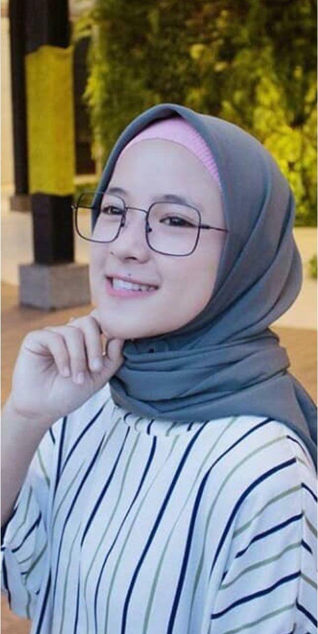 Features Frem Dior Nissa Sabyan Kacamata Fashion Trendi Dan Harga