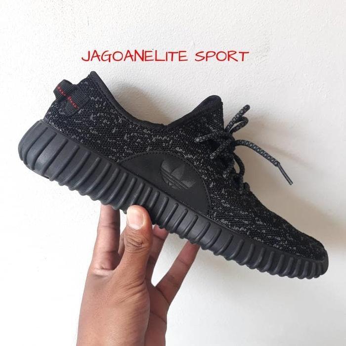 Katalog Sepatu Adidas Yeezy Boost terbaru 2019   Review Harga ... 91ba82e2fa