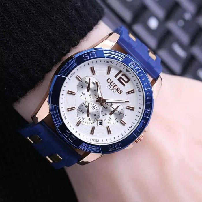 Jam Tangan Pria Guess Man Off Rubber Blue Plat White
