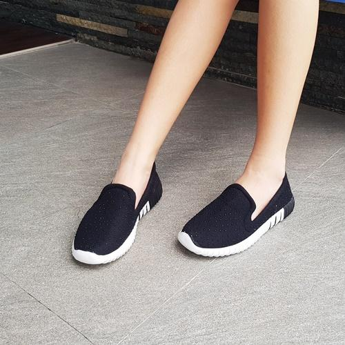 Sneaker Fashion Wanita FS-197 Hitam