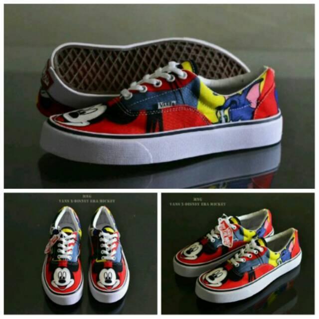 Fitur Sepatu Sneaker Wanita Sepatu Vans Mickey Mouse Waffle Icc Dan ... 17eec0c0b0