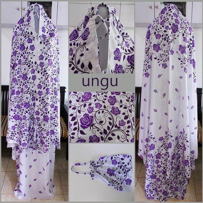 Mukena Bali motif bunga mawar warna ungu dasar putih G-1068