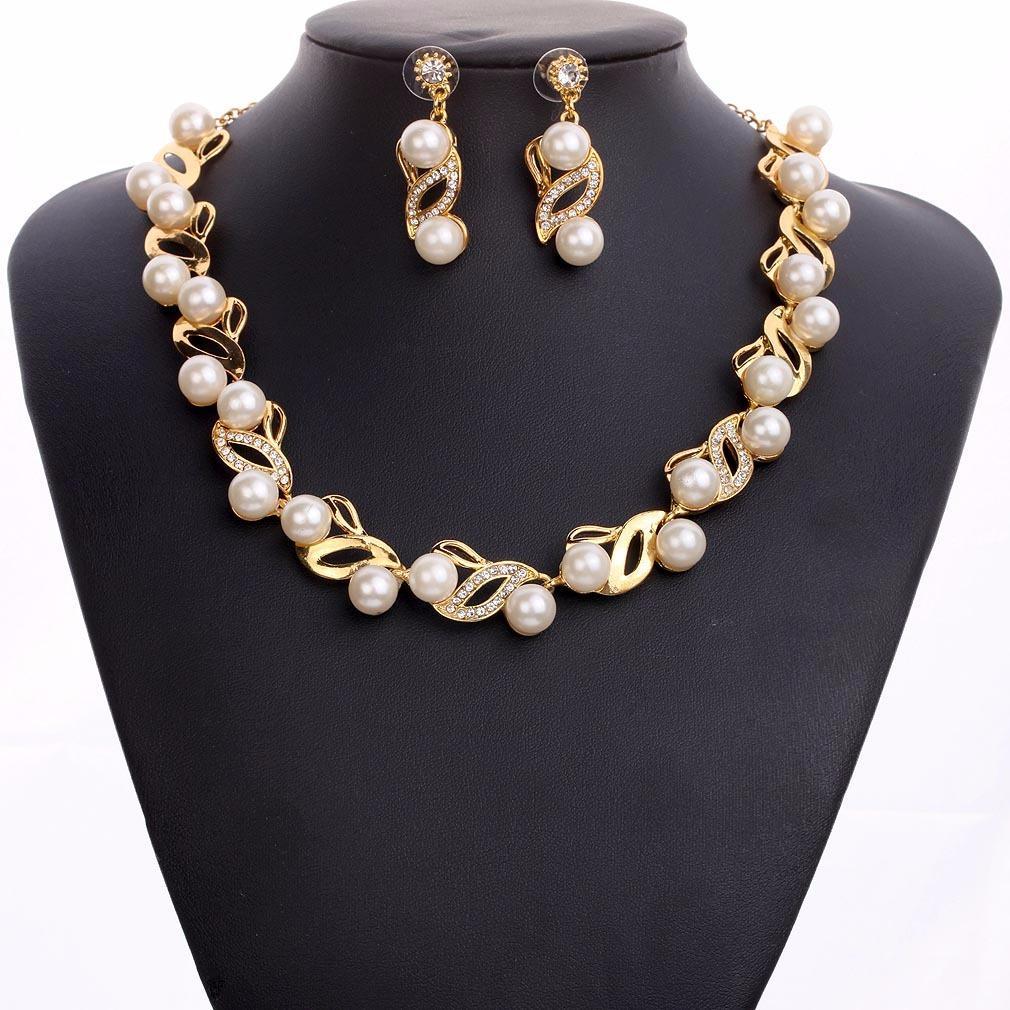Klasik Imitasi Mutiara kalung Emas-warna perhiasan set untuk wanita Crystal Clear Elegant Partai Hadiah