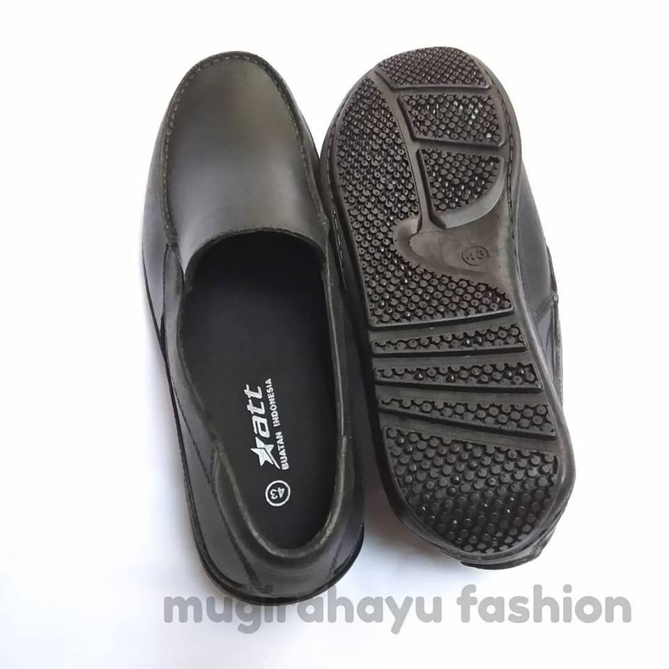 Att Sepatu Pria Kerja Pantofel Karet S1115 Anti Air K012 Hitam Kedap Slip On Casual