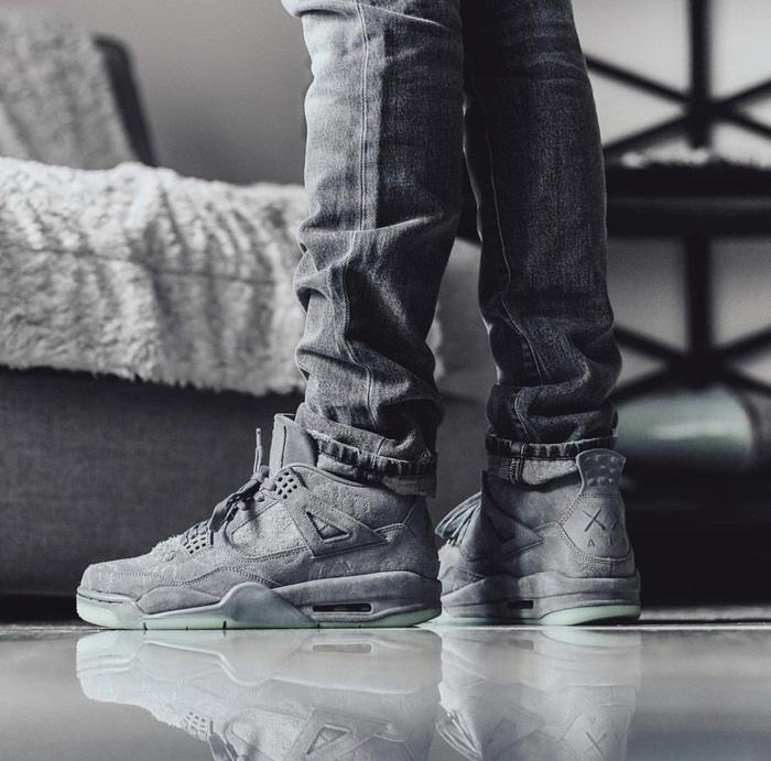 FAST PO-Nike Air Jordan 4 Retro X Kaws Grey Limited UA Version