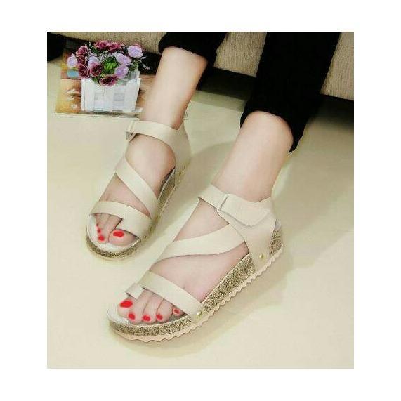 Sandal Sendal Sepatu Wanita Santai Jepit Jempol Tali Cream