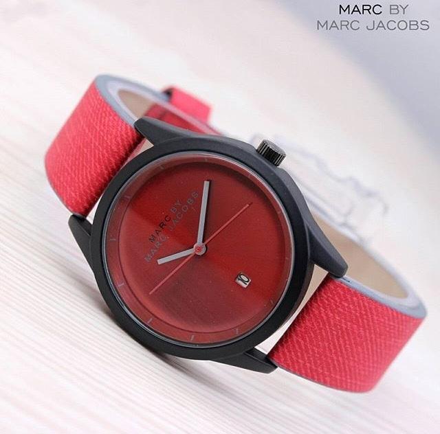 Jam Tangan Pria / Wanita Murah Marc Jacobs Date Leather Red