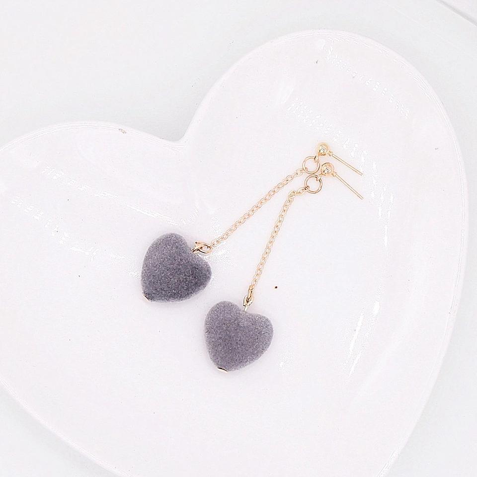 Anting Velvet Love Heart Long Tassel Earring - Abu-abu Muda
