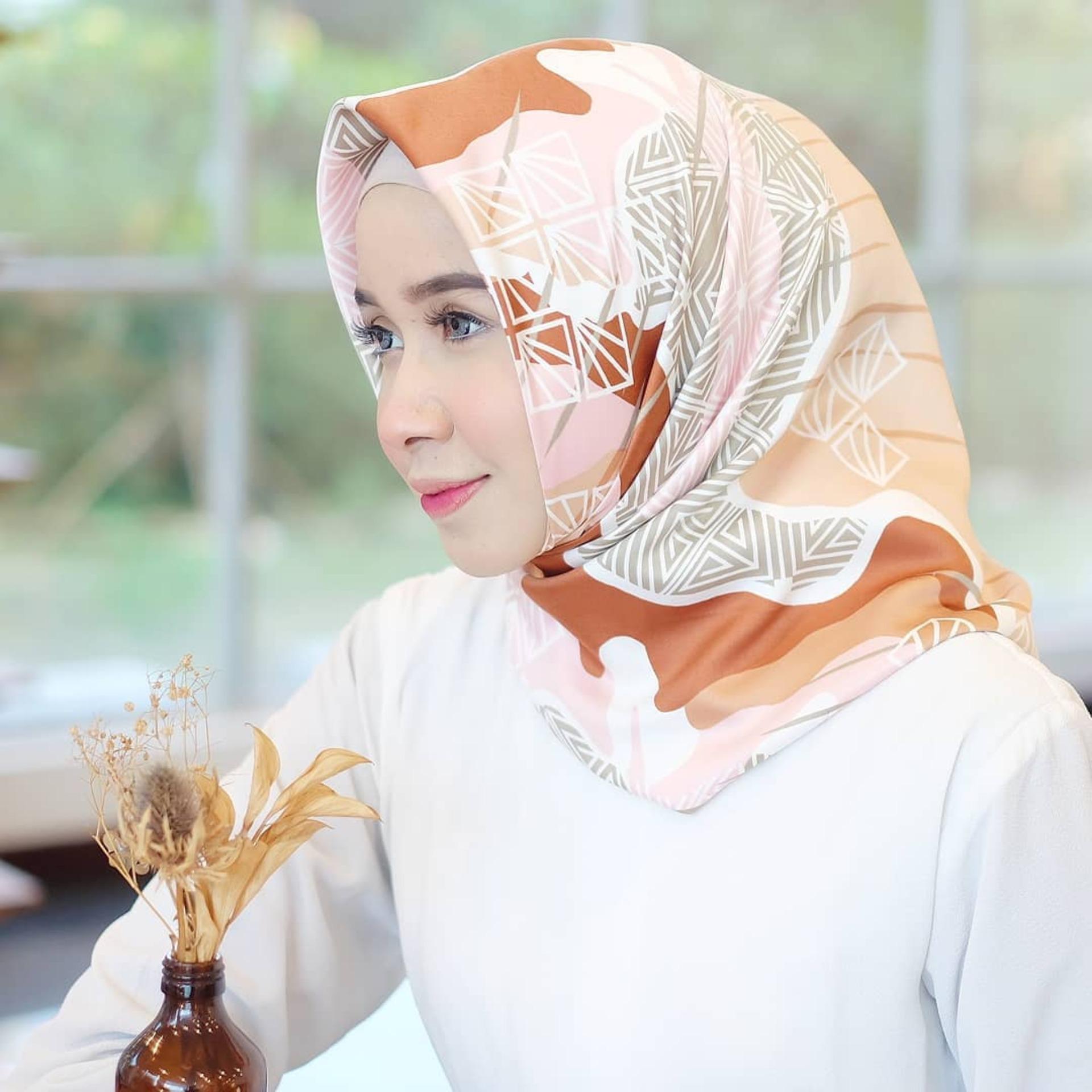 Fitur Hijab Velvet Silk Batik Jilbab Kerudung Segi Empat Dan Harga Segiempat