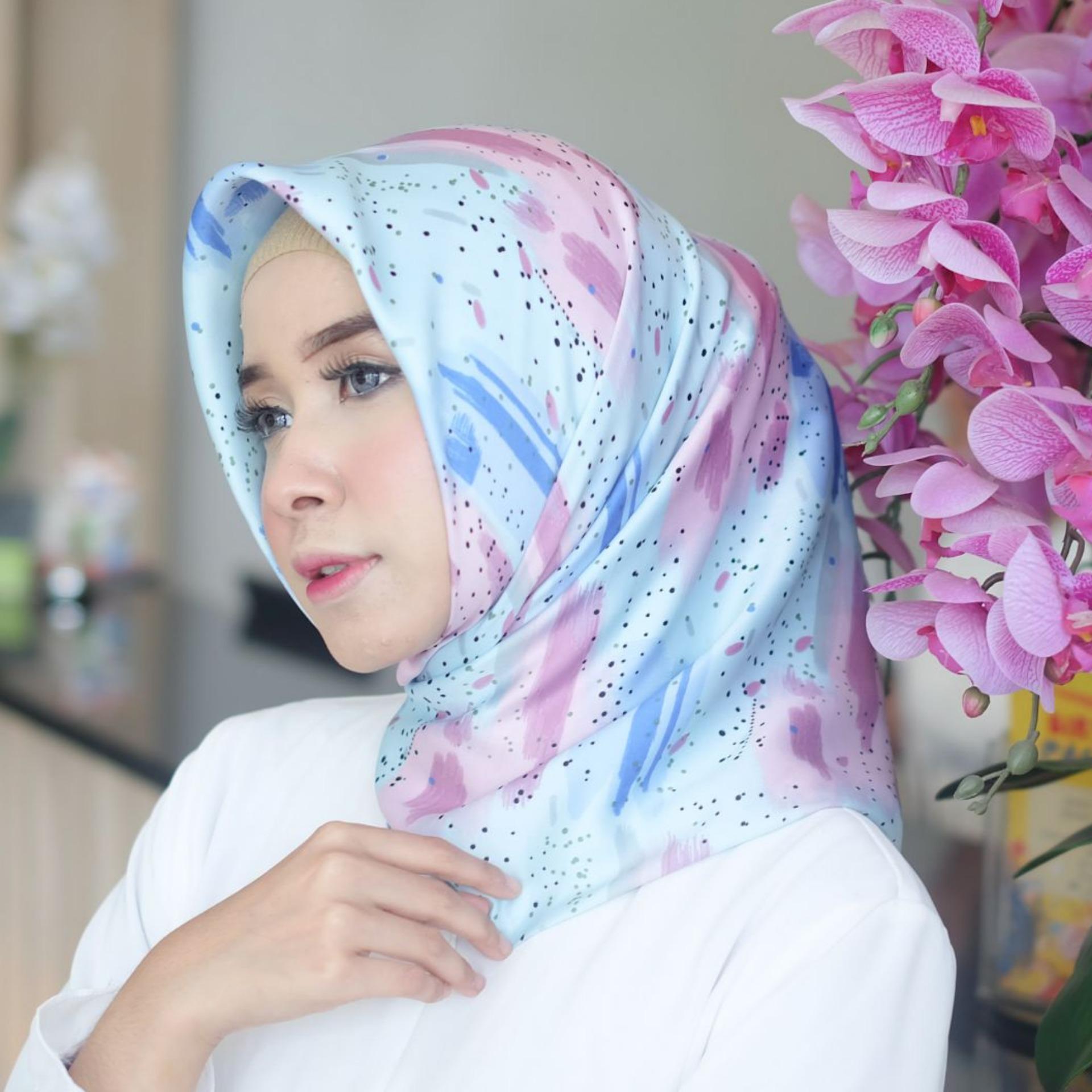 Hijab Kerudung Segi Empat Maxmara Silk Amora Grey Jilbab Page 3 Pashmina Velvet Khanza