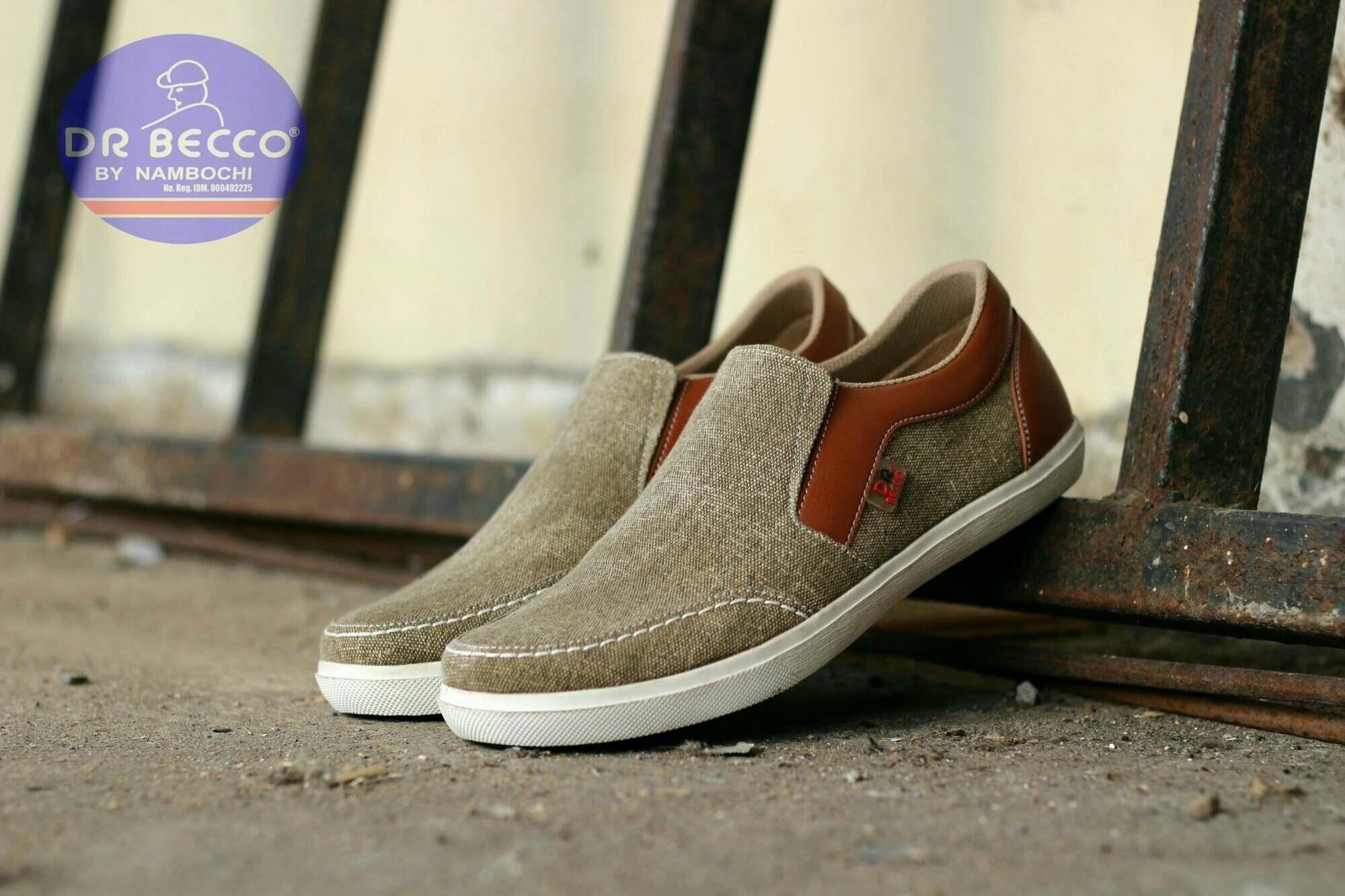 harga SEPATU PRIA CASUAL SLIP ON MOCDAS SLOP KERJA FORMAL SANTAI LOAFERS SLOP SNEAKERS BOOTS  SIMPLE ORIGINAL Dr. BECCO KICKERS NIKE VANS CONVERSE KANVAS COKLAT TAN Lazada.co.id