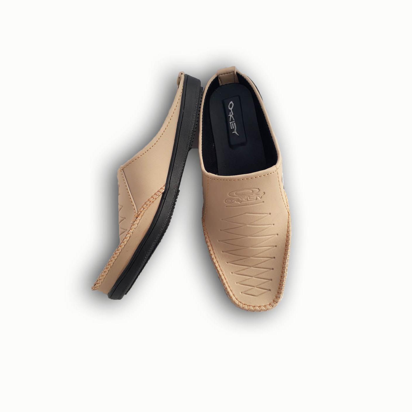 Cek Harga Baru Dr Kevin Sandal Pria 97195 Hitam Jenis Slop Men Sandals 97200 Tan Putih 41 Arjun4 Sepatu Selop Kulit Sintetis Kwl Pantofel
