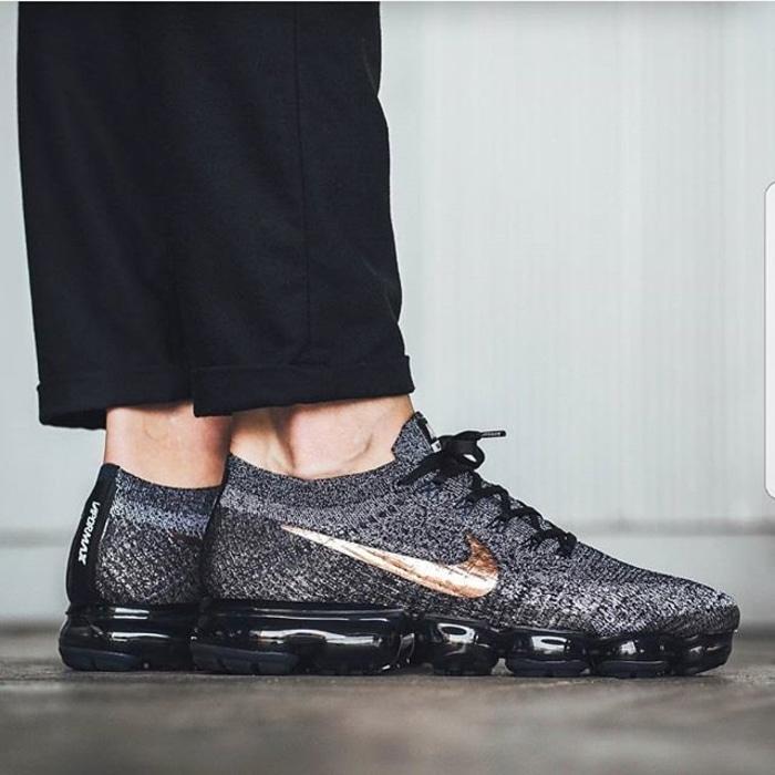 f4e4cadc8f3f Nike VaporMax Flyknit Black Bronze Premium Original   sepatu keren - wXxJ2e