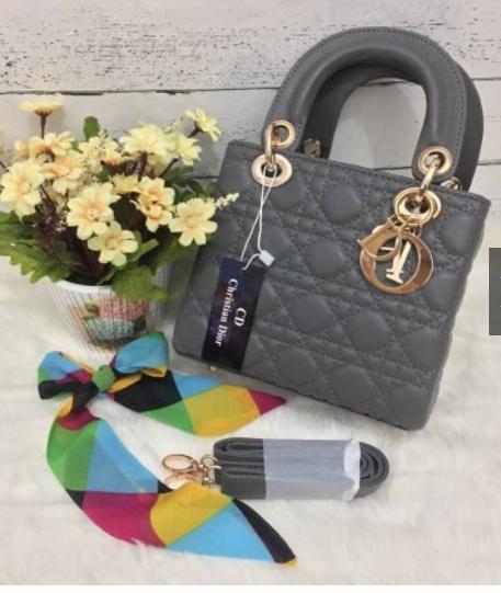 Fitur Tas Minias Pesta Tas Wanita Dior Mini Dan Harga Terbaru - Info ... 5c91e90c91