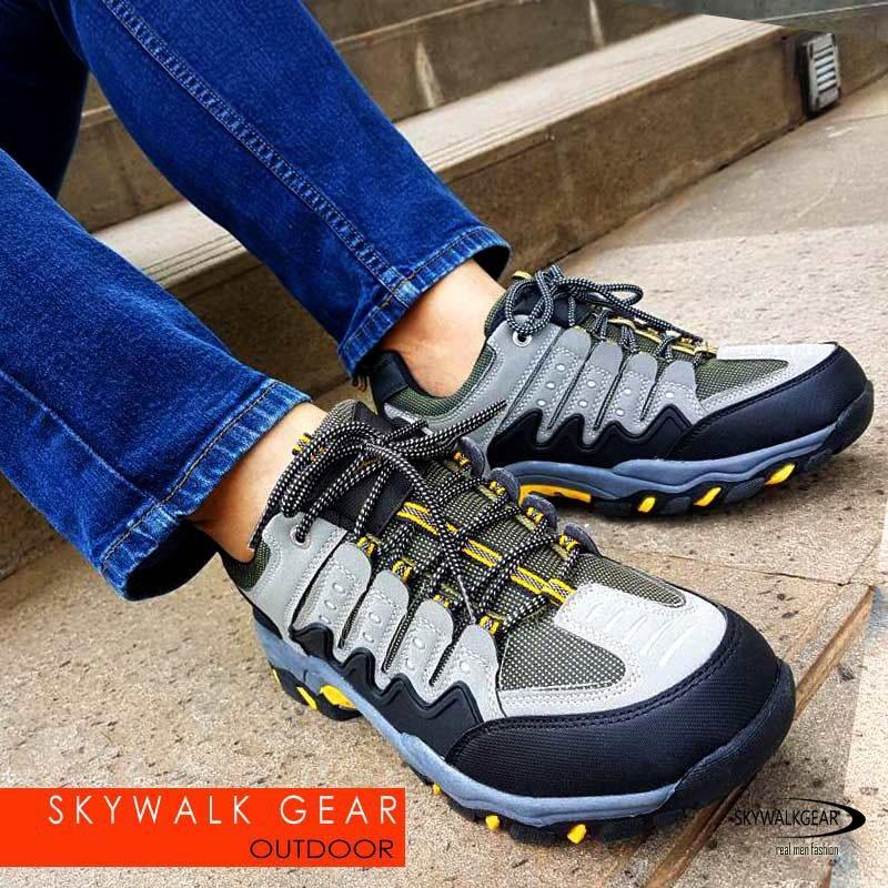 Diskon Skywalkgear Bryan Sepatu Sneakers Sport 955 Grey Akhir Tahun