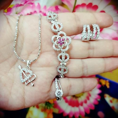 Review Set Bunga Cantik Xuping Gold Xuping Jewelry Di Banten