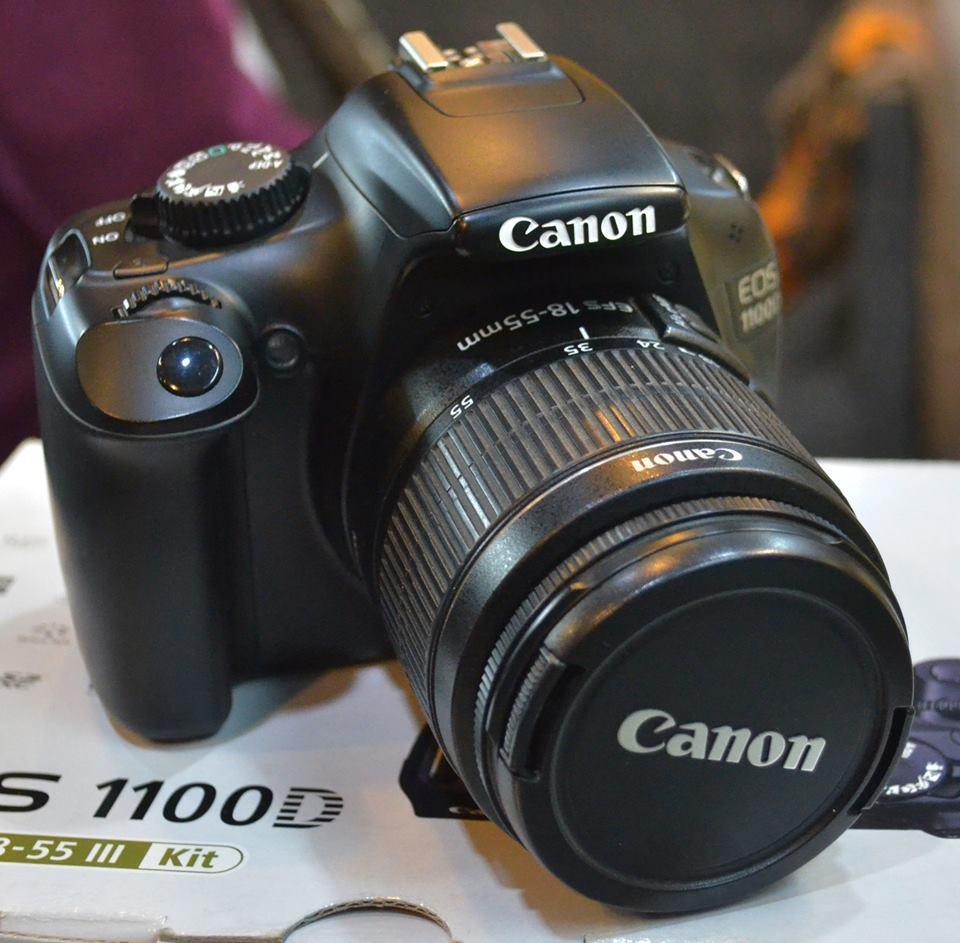 Kelebihan Kamera Canon Eos 1100d Kit 18 55mm Is Stm Terkini Daftar Set Pembersih Merah