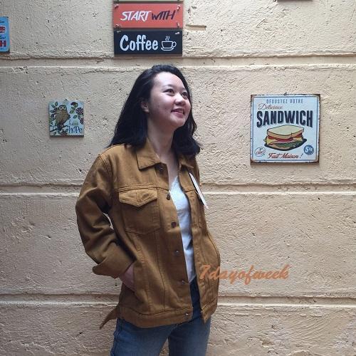 ... jaket jeans denim wanita oversize brown (coklat) retro style // hot item -
