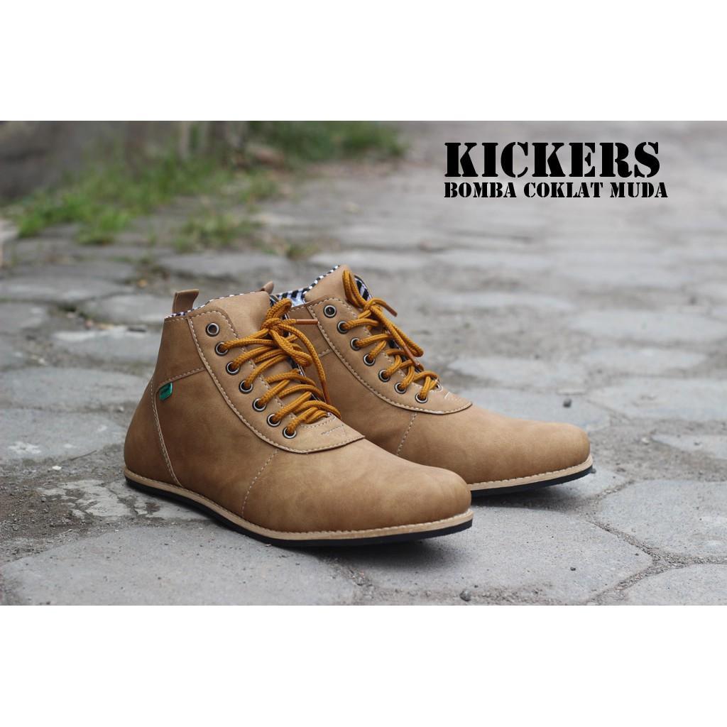 Sepatu Kickers Casual Bomba Warna Coklat Muda