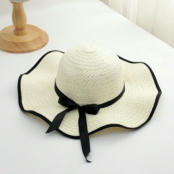 Topi Pantai Musim Panas Pelindung Terik Matahari Topi Jerami Bersampul Pita Model Bergelombang
