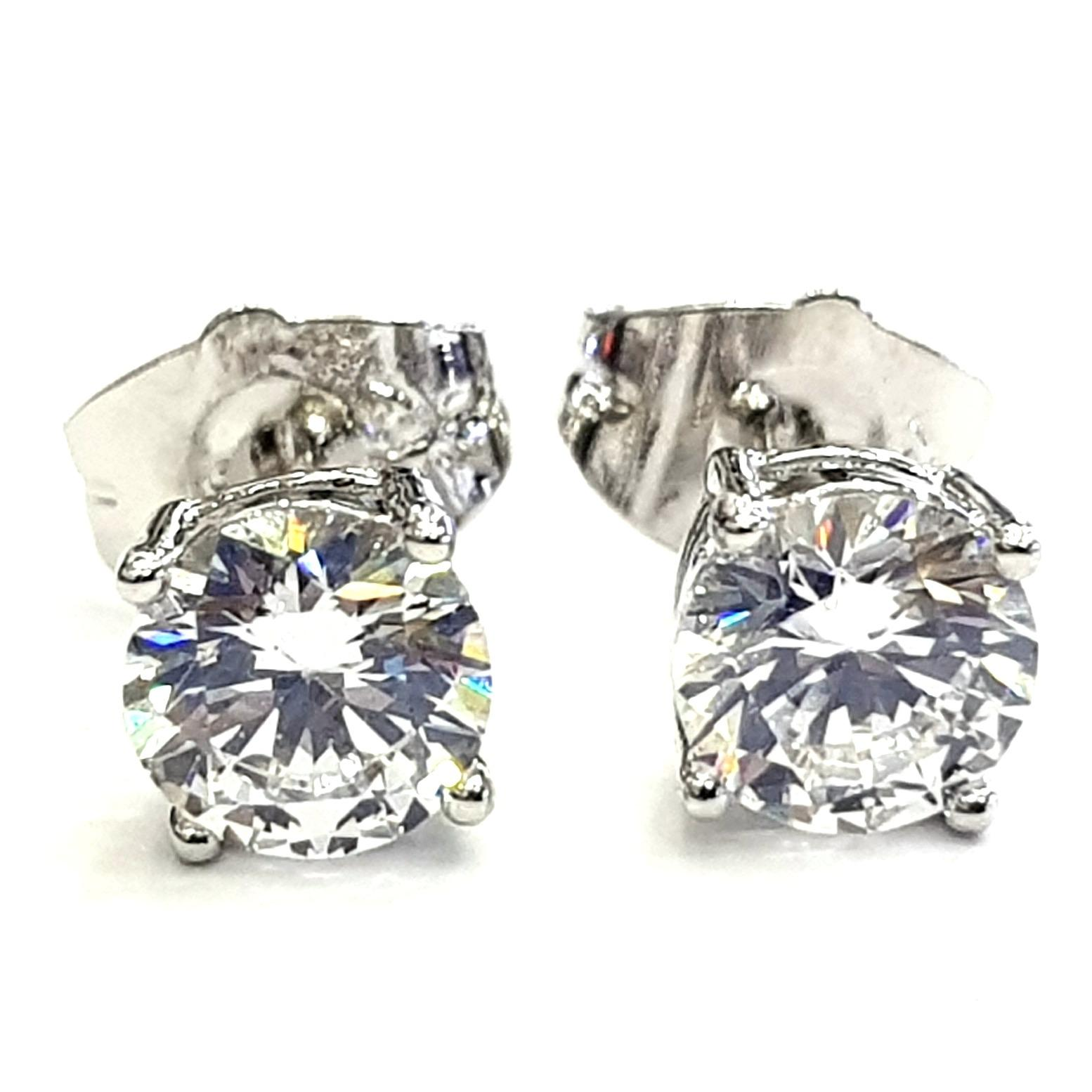 Anting Tusuk Simple Stud Solitaire Diamond 7 MM - Silver