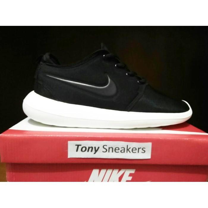 List harga Sepatu Nike Roshe Two terupdate 2019   Review Harga ... 050774ad8f