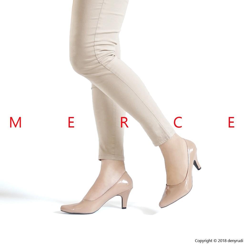 ALLY Sepatu Pantofel Kerja Wanita Heels 5cm Hitam Moka Tan - 2 .