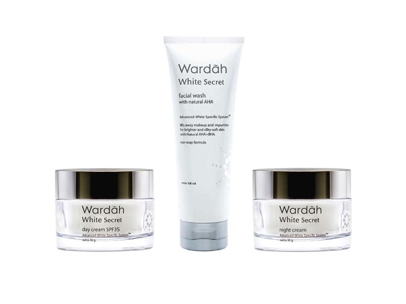 Paket Wardah White Secret ( Day Cream 30gr + Facial Wash 100ml + Night Cream 30gr ) - 3 Pcs
