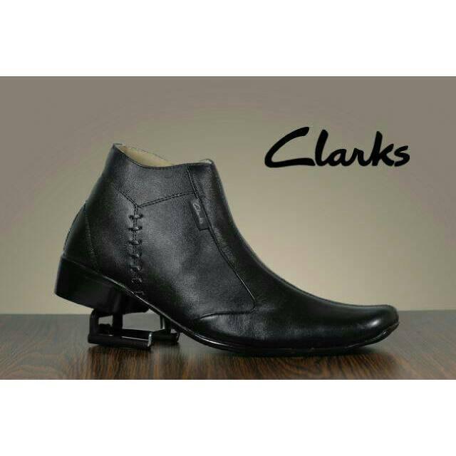 Sepatu Pantofel Clarks Zipper Slop Kulit Asli Slip On Casual Pria Formal  Pantopel Crocodile Pria e26449d8f6