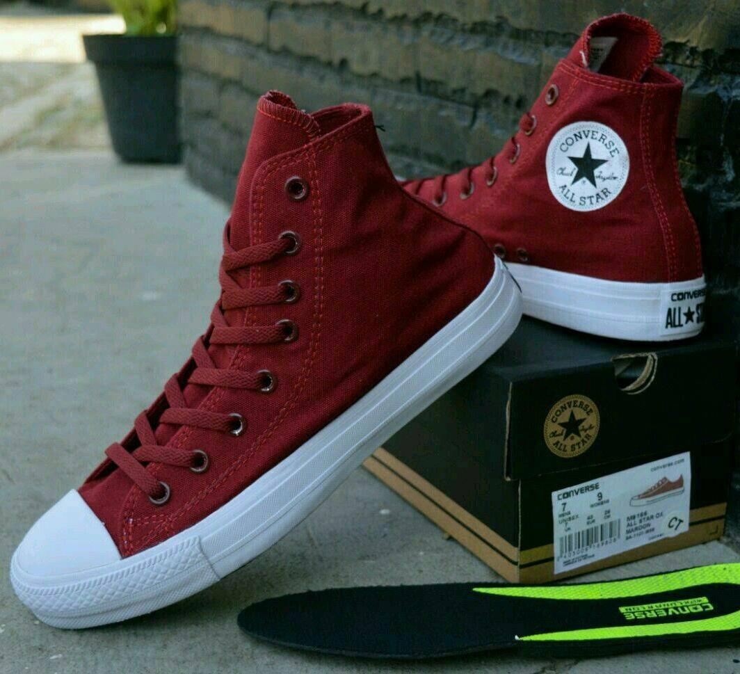 Fitur Sepatu Converse Chuktayllor 2 High Maroon Termurah Dan Harga ... 03cdd2eeb4