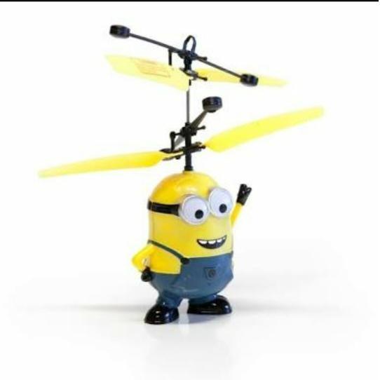 Cek Harga Baru Flying Toy Mainan Anak Terbang Minion Karakter ... d185380c8a