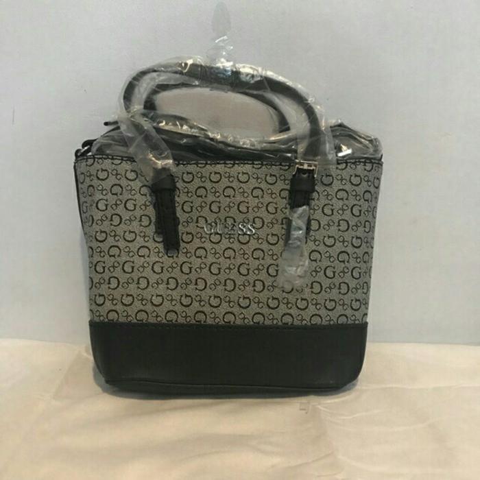 Fitur Harga Spesial!!! Tas Ransel Guess Original Tas Backpack Guess ... 89595bce98