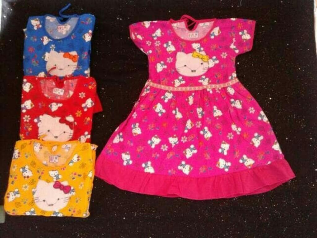 Dress katun anak motif hello kitty