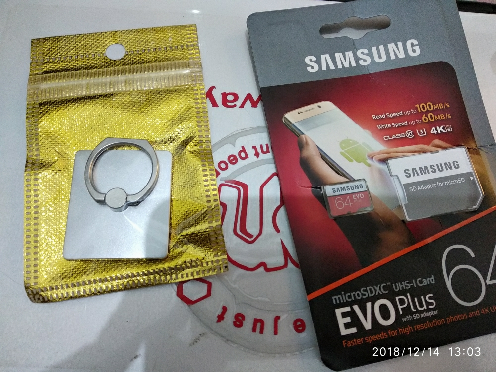 Samsung Memory Card MicroSDXC Evo Plus 64GB / 100MB/s with Adapter - Merah +