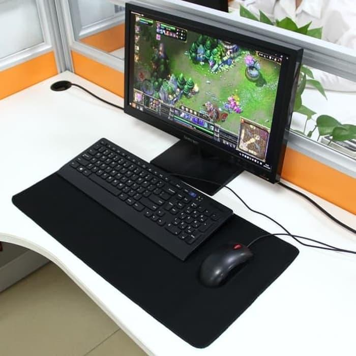 https://www.lazada.co.id/products/mouse-pad-mousepad-gaming-jumbo-30-x-80-cm-motif-hitam-polos-i500084926-s631686516.html