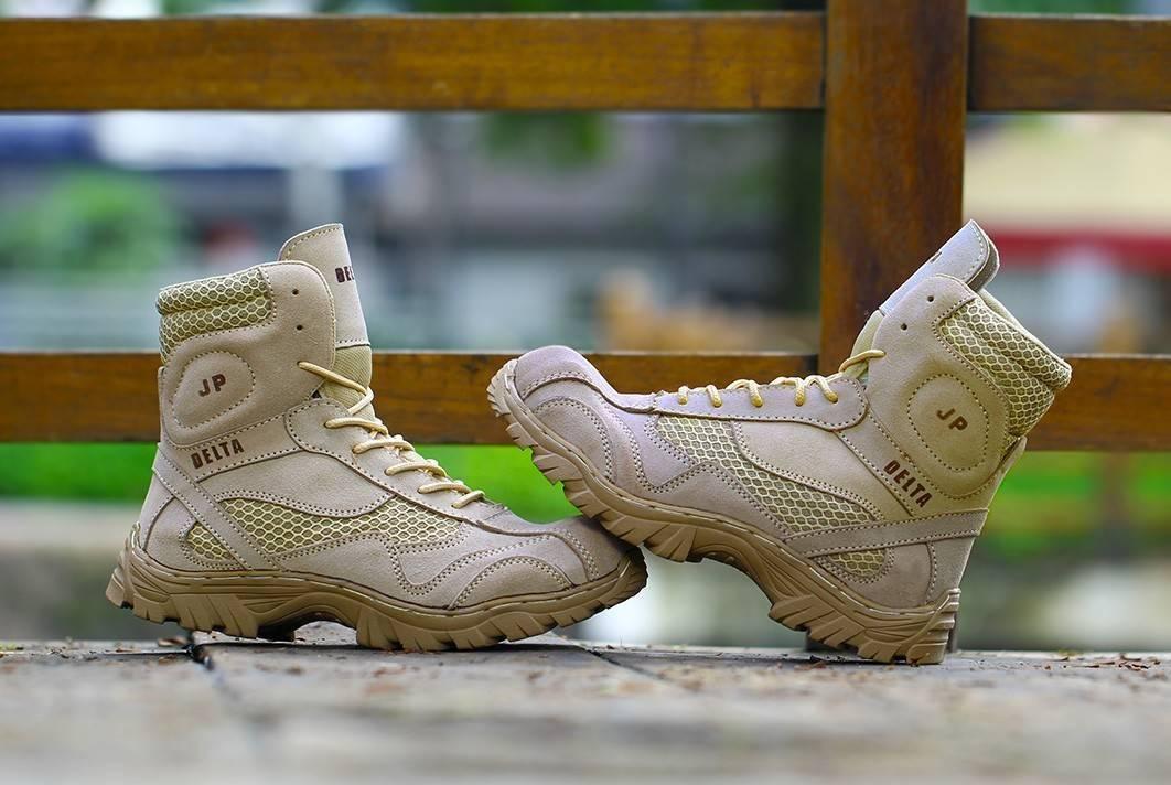 sepatu safety ujung besi sepatu boots casual proyek kerja lapangan works boots crocodile  – bisa bayar tempat