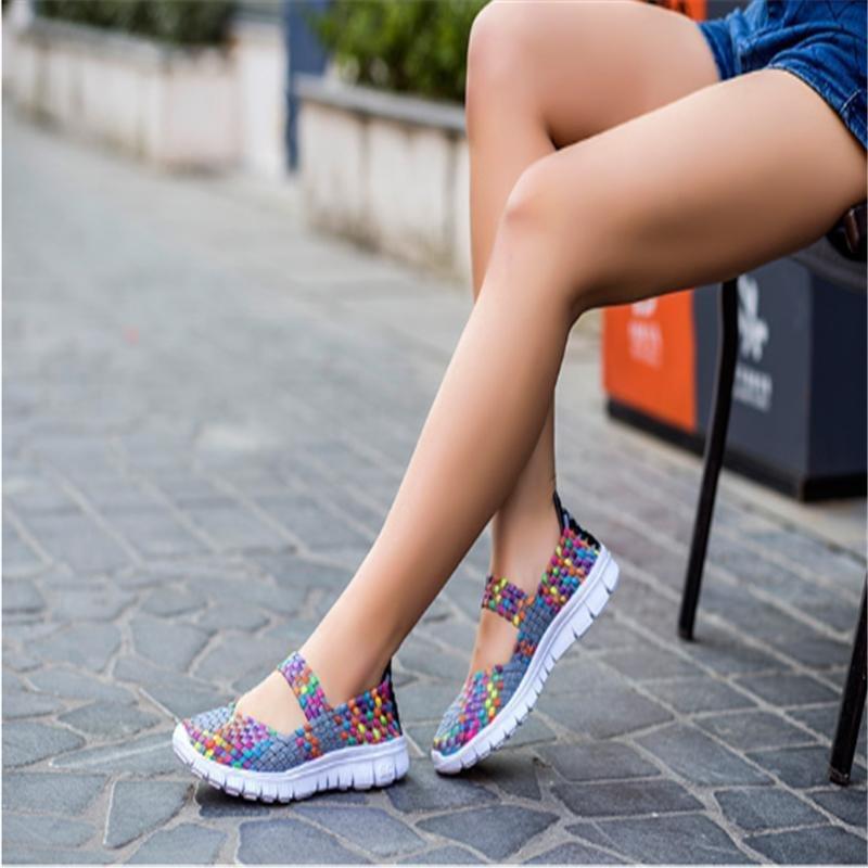 Lalang Dilengkapi Ventilasi Mesh Sepatu Wanita Anyaman Sepatu Datar Sandal Jepit (Abu-abu)