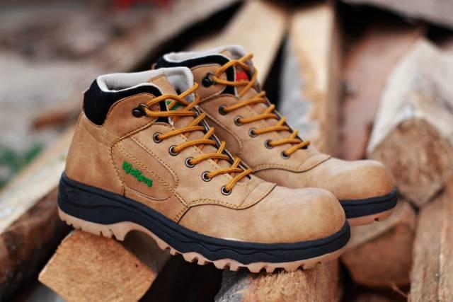 sepatu pria kickers sepatu boots safety ujung besi/cocok untuk semua aktifitas//