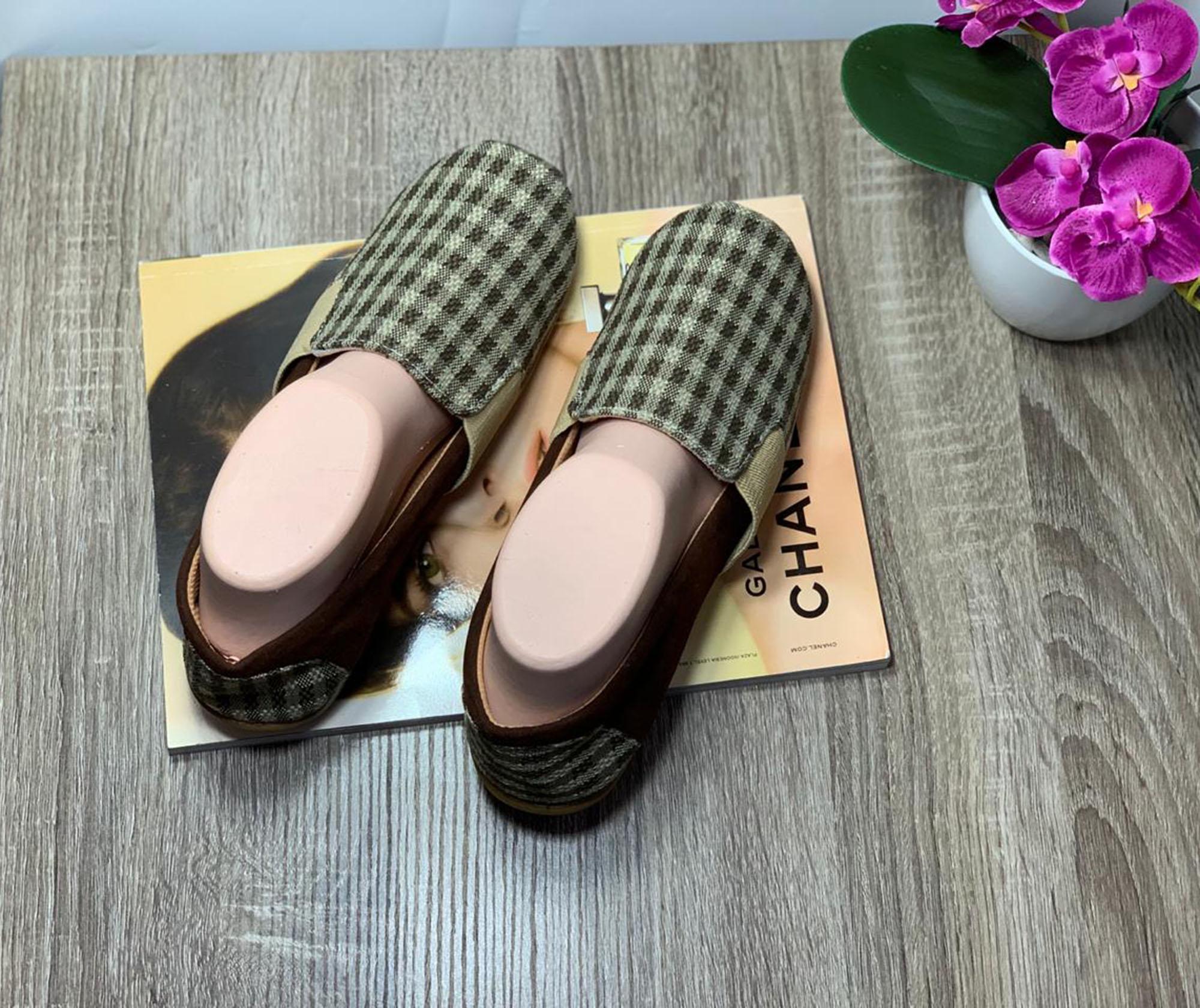 Detail Gambar Rafisha-Sneakers Slip On Kotak-Coklat Terbaru