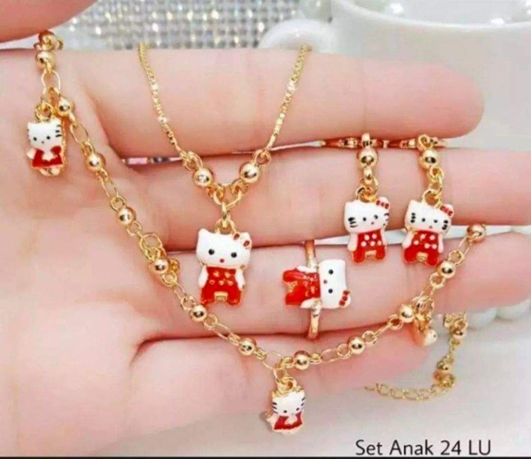 SET ANAK HELLO KITTY XUPINGMERAH