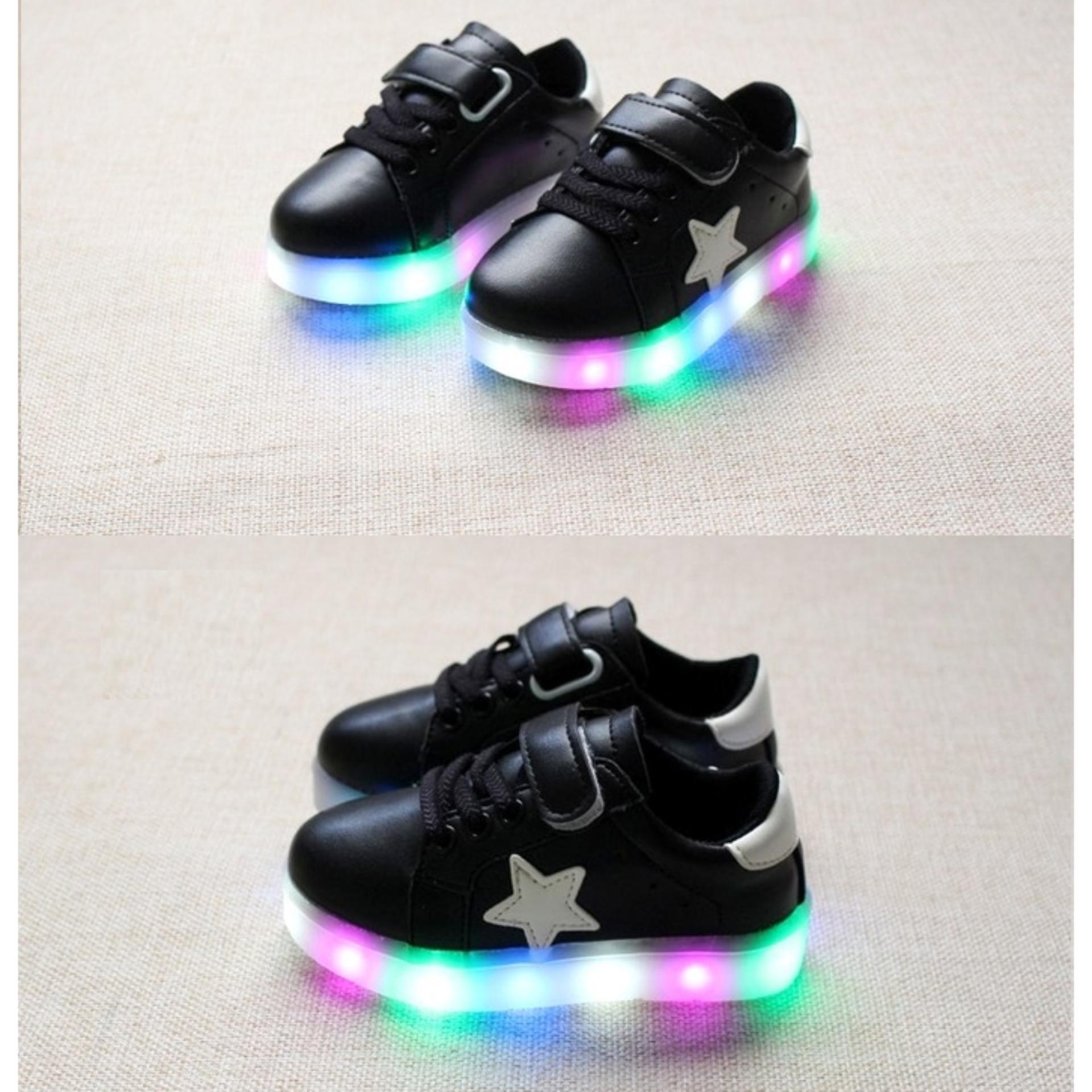 Bandingkan Toko HITAM Sepatu Anak LED Nyala Lampu Sekolah Main Casual Sneaker Olahraga Jalan Sepatu Anak