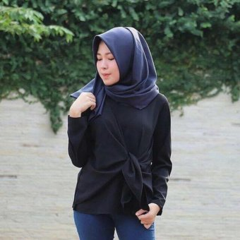 Harga Labelledesign Blouse Louis Top - Black
