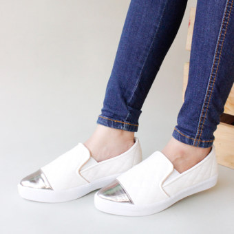 Harga Own Works Slip On Casual Quilted Metalic Toe - Putih