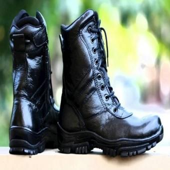 sepatu delta sepatu safety shoes ujung besi Kickers PDL Safety Pria Terbaru  Tracking Boot Gunung Adventure 5d50f3e28e